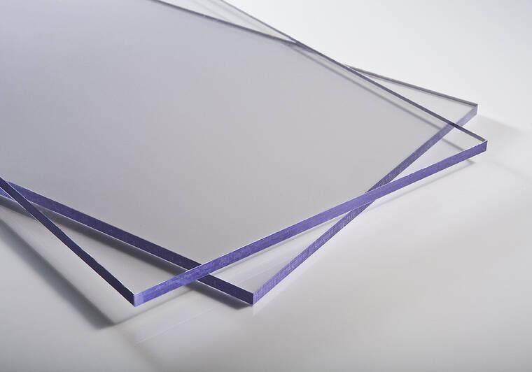 Plný polykarbonát bez UV stabilizace
