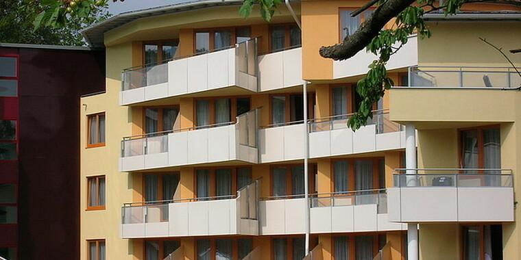 Stěny a fasády