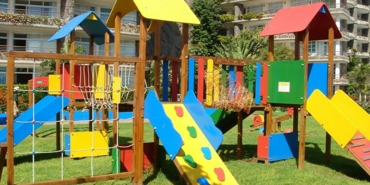 Sportoviště a dětská hřiště